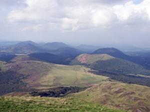 Naturpark Volcans - gigantisch! Von oben (Bild oben) wie von unten (Bild unten) gesehen..