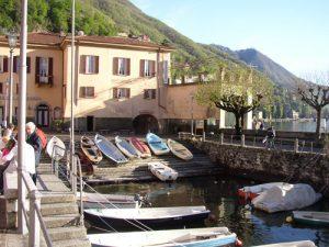 Das Belvedere im Hafen von Torno