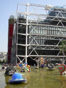 Centre Pompidou mit Künstlerbrunnen