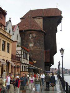 der größte hölzerne Hafenkran Europas steht in Danzig