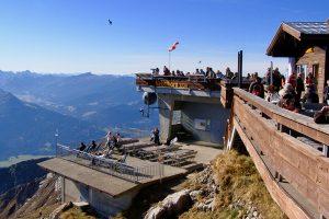 mit 2.224 m ist das Nebelhorn der höchste Berg im Allgäu der per Seilbahn erreicht werden kann und bietet einen Rundblick auf 400 Gipfel - gutes Wetter vorausgesetzt