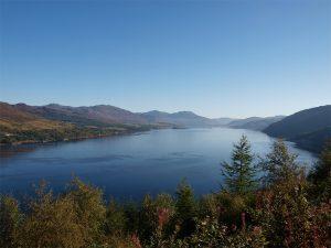 Lochcarron ist mit einer der schönsten Lochs bzw. Fjorde an der Westküste