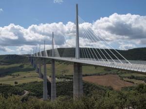 Viaduc de Millau über den Tarn