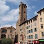 das Wahrzeichen von Millau, der 42 Meter hohe Glockenturm (Beffroi)