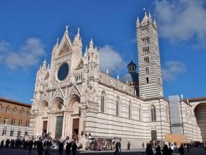 besonders sehenswert: der Dom in Siena