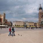 Tuchhallen (links) und Marienkirche (rechts) in Krakau