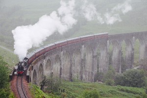 Weltberühmter Photographers Point: Der Jacobite Steam auf dem Glenfinnan Viadukt