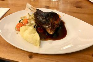 Lambs Shank - Lammkeule im Tullie Inn