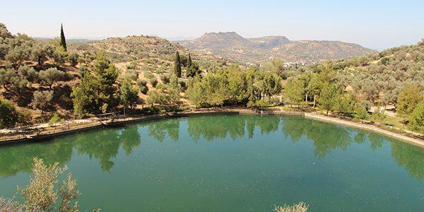 Gastrotipp: Taverne Limni am See Votomos in Zaros (Kreta)