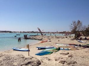 Alptraum für jeden Individual-Touristen: Der Strand von Elafonissi