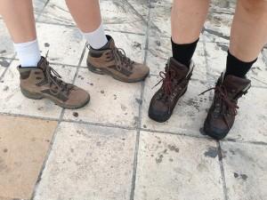 Wanderschuhe sind für die Samaria-Schlucht ein MUSS! Alles andere ist unvernünftig.
