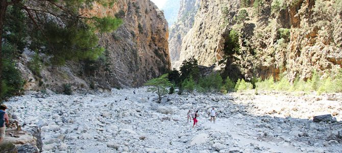 Nichts für Flip-Flops: eine Wanderung durch die Samaria-Schlucht