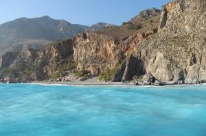 Die Schifffahrt von Agia Roumelia nach Sougia geht entlang traumhafter Strände der kretischen Küste und macht die Strapazen der Wanderung durch die Samaria-Schlucht wett!