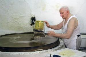Georgios Xatziparasxos in Rethymno zaubert seit Jahrzehnten köstliches Baklava