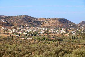 Pitsidia - die Hauptstraße durch den Ort führt direkt nach Matala.