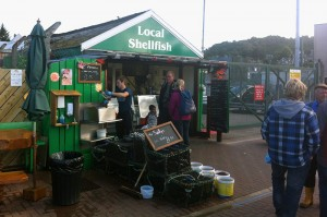 """Local Shellfish"" - direkt am Fähranleger in Oban gelegen: bestes Seafood in Schottland! Foto: Goede"