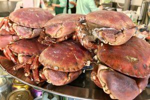 Krabben auf der Theke
