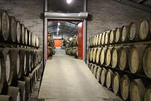 In den Warehouses von Edradour lagern auch Fässer anderer Distillen