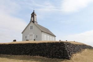Die Strandarkirkja an der Südküste südlich von Reykjavik - seit dem 12. Jahrhundert gibt es an diesem Strand eine Kirche auf Island