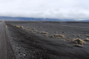 Faszinierend: der schwarze Sand des Skeiðarársandur
