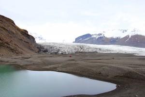 Vom Skaftafell-Besucherzentrum führt ein gut ausgebauter Wanderweg an den Fuß der Gletscherzunge