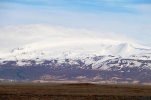 Der Eyjafjallajökull von Westen auf der Ringstraße: Sein Ausbruch 2010 brachte den europäischen Luftraum durcheinander. 2015 ist er wieder vereist.