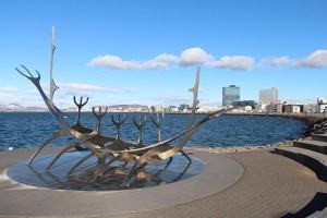 die Sæbraut - Kunst am Hafen von Reykjavik