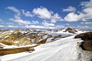 """Schneefelder gab es in diesem """"Sommer"""" mehr als genug auf dem Wanderweg"""