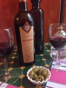 Selten einen so guten Rotwein genossen - der 2013er Jahrgang aus dem Hohen Atlas ist trinkbereit!