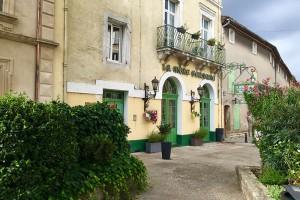 Das Hotel Restaurant La Mère Germaine im Ortszentrum von Chateauneuf du Pape