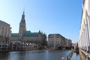 Das Hamburger Rathaus. Hier ist der Sitz der Bürgerschaft (Parlament) und des Senats (Landesregierung) der Freien und Hansestadt Hamburg.