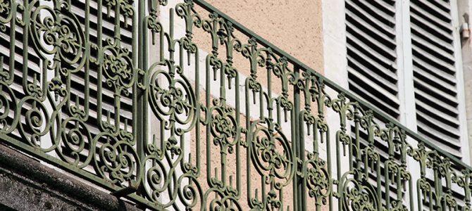 Art deco – Jugendstil Balkone in Perigueux
