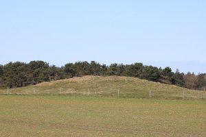 Das Kanshugh Hügelgrab zwischen Nebel und Norddorf
