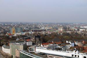 Blick auf St. Pauli mit dem Heiligengeistfeld im Vordergrund (zu sehen ist das Riesenrad des Frühlings-DOM).