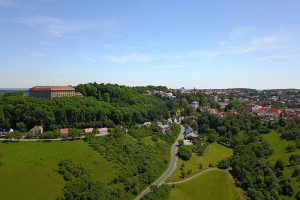 Schloss Schillingsfürst liegt erhaben auf der Frankenhöhe