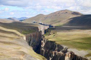 der Canyon hinter dem Karahnjukar-Kraftwerk und seinem Damm