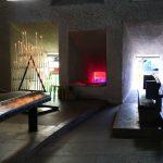 Licht- und Farbenspiele im Kirchenraum der Kirche Notre Dame du Haut des Architekten Le Corbusier