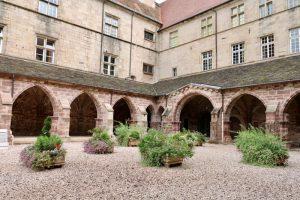 ehemaliger Klostergarten an der Basilika Saints Pierre et Paul