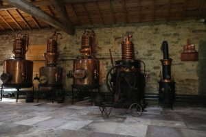 """im """"Ecomusée Fougerolles"""" erfährt man vieles über die alte Tradition des Brennen von Kirschschnaps in der Region"""