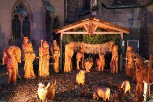 die heutige Weihnachtskrippe vor der Kirche Saint Georges in Haguenau