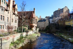 Dean Village in Edinburgh am Fluss Leith