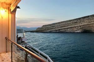 Abendstimmung auf der Terrasse des SCALA mit Blick auf die Bucht von Matala