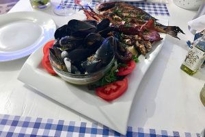 die SCALA Fischplatte für 2 Personen - ausgesuchte Qualität trifft auf ausgezeichnete Kochkunst!