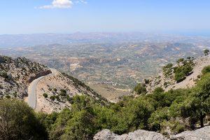 die Messara Ebene von der Passhöhe des Ambelakia gesehen
