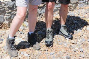 """Ohne Wanderschuhe geht nichts - """"Quadratlatschen"""", flache Turnschuhe oder Sandalen sind die falsche Wahl!"""