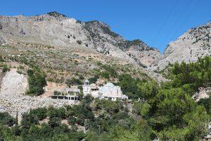 das Kloster Agios Nikolaos am Einstieg zur Rouvas-Schlucht am unteren Ende
