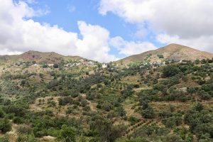 Malerisch am Berghang gelegen: Das Dorf Gonies