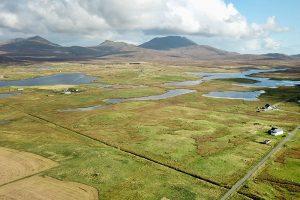 South Uist - die südliche Hauptinsel der Uists mit ihren Marschen im Westen und den Highlands im Osten.