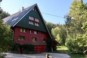 """die """"Muckenmühle"""" im Glasbachtal und existiert seit mindestens dem 14. Jahrhundert. In Betrieb war sie bis in die 1950er Jahre."""