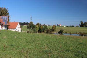 """die Geschichte des """"Mönchhof"""" reicht bis ins 11. Jahrhundert zurück. Er ist auch heute noch in Betrieb (mit Restaurant, Gästezimmern und auch einer Schnapsbrennerei)"""